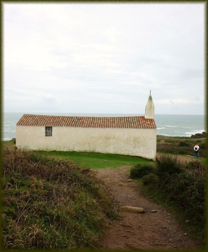 P1020743 ile yeu chapelle.jpg