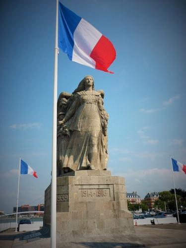 P1160746 Monument victimes de guerre.jpg